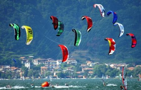 KITE E WIND SURF